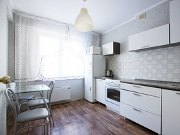 Снять двухкомнатную квартиру Караульная ул, 57  м², 1800 рублей