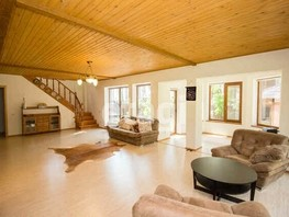Дом, 288  м², 2 этажа, участок 1600 сот.