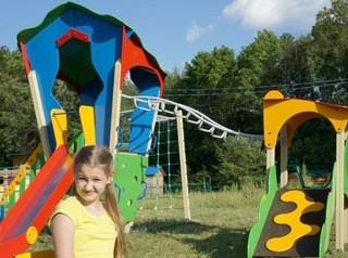 100 новых детских площадок появятся в городах и селах Кузбасса в июне