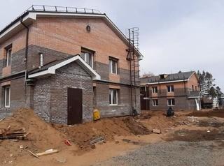 Строительство жилья и соцобъектов из-за пандемии не отменят
