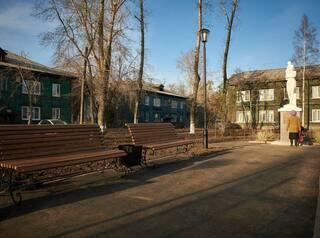 В Иркутске-2 появился сквер Мира со скульптурой женщины-спасительницы