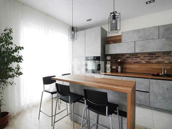 Продам 3-комнатную, 80.5 м², Взлетная ул, 115. Фото 1.