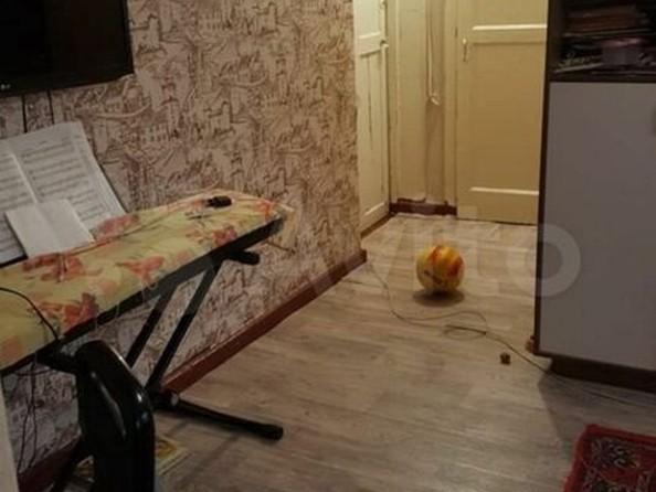 Продам 3-комнатную, 57 м², Антона Петрова ул, 209. Фото 1.