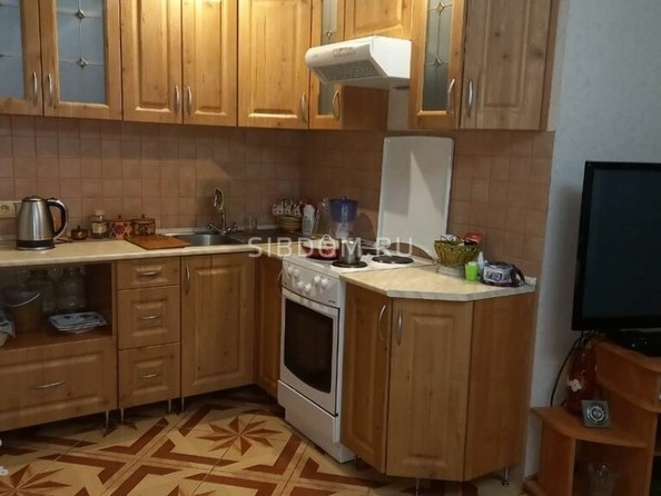 Продам 2-комнатную, 51 м², Гущина ул, 153А. Фото 1.