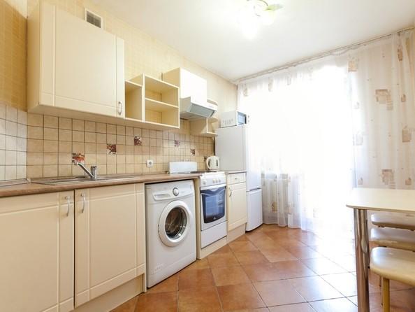 Сдам посуточно в аренду 1-комнатную квартиру, 39 м², Барнаул. Фото 2.