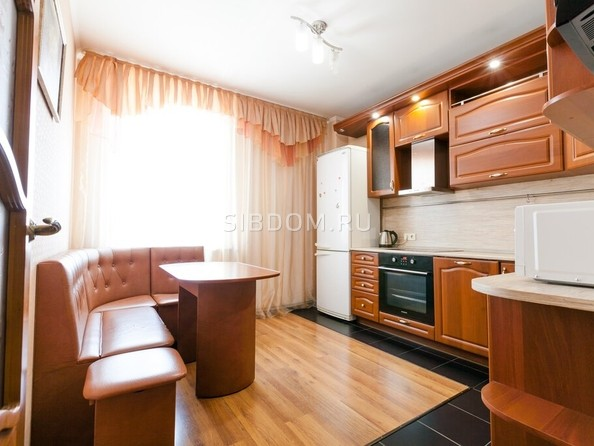 Сдам посуточно в аренду 1-комнатную квартиру, 43 м², Барнаул. Фото 4.