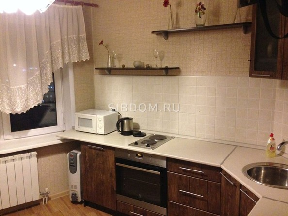 Сдам посуточно в аренду 1-комнатную квартиру, 36 м², Барнаул. Фото 3.