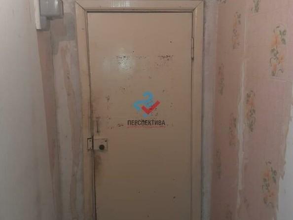 Продам 2-комнатную, 52 м², Приречная ул, 81. Фото 3.