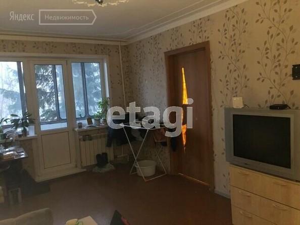 Продам 3-комнатную, 57 м², Антона Петрова ул, 200. Фото 1.