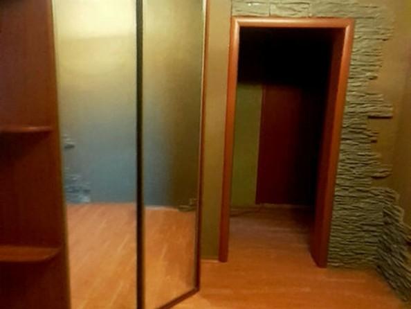 Продам 3-комнатную, 66 м², Лазурная ул, 22. Фото 1.