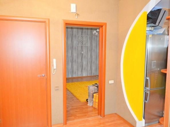 Продам 3-комнатную, 66.1 м², Лазурная ул, 22. Фото 5.