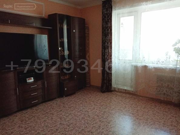 Продам 3-комнатную, 72 м², Шумакова ул, 63. Фото 1.