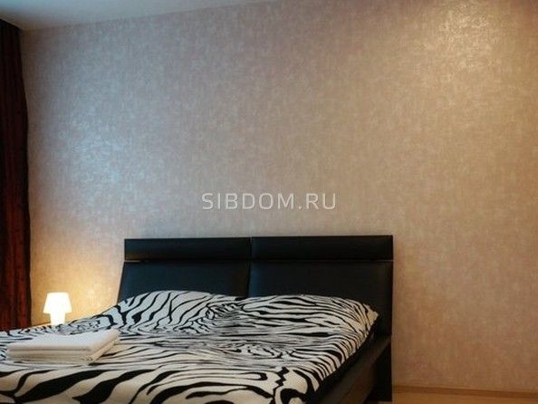 Сдам посуточно в аренду 1-комнатную квартиру, 39 м², Барнаул. Фото 1.