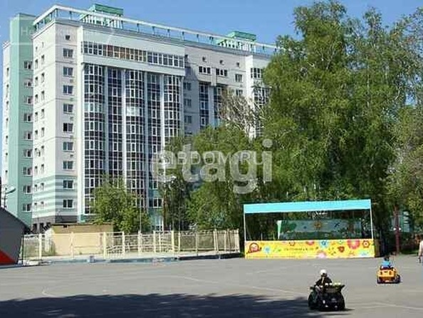 Продам 3-комнатную, 85 м², Сизова ул, 14Б. Фото 2.