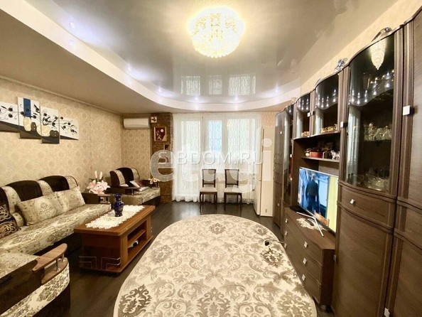 Продам 2-комнатную, 62.7 м2, Добролюбова ул, 37А. Фото 1.