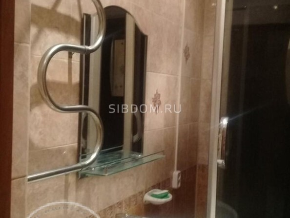 Продам 2-комнатную, 42 м2, Октябрьская ул, 6. Фото 5.