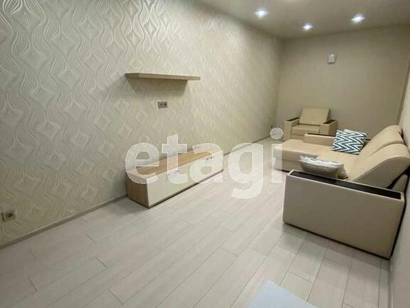 Продам 2-комнатную, 58 м², Ключевская ул, 6Д. Фото 3.