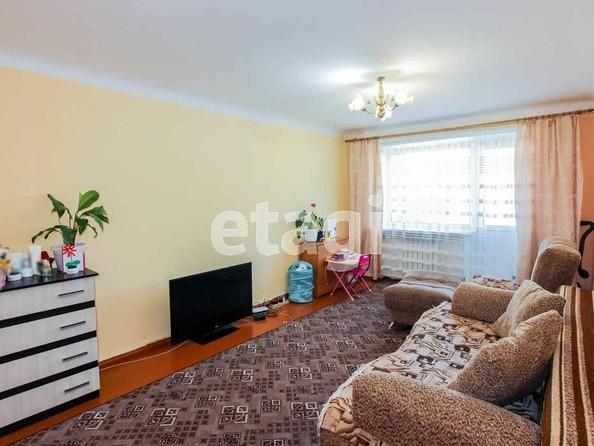 Продам 2-комнатную, 45.7 м2, Камова ул, 1. Фото 1.