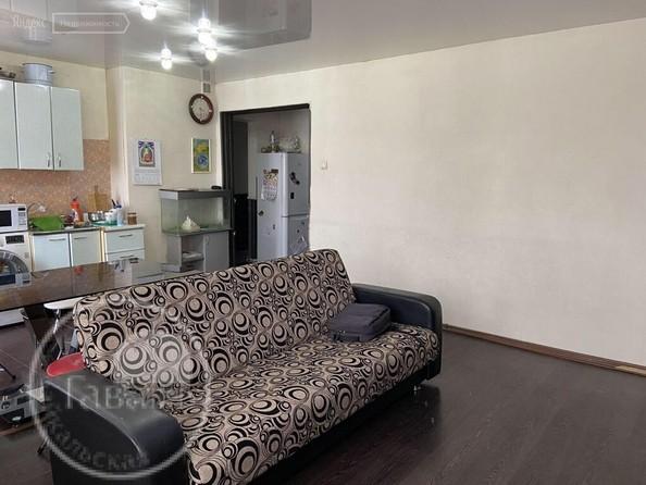 Продам 3-комнатную, 61.7 м2, Строителей Проспект, 40. Фото 2.