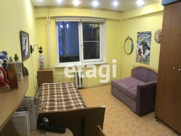 Продам 2-комнатную, 70 м², Бабушкина ул, 13А. Фото 2.