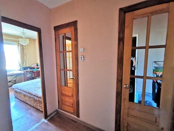 Продам 2-комнатную, 48 м2, Радужный мкр. Фото 7.