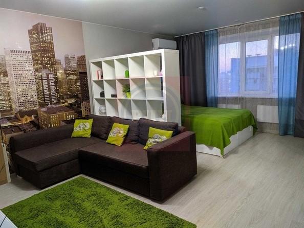 Продам 2-комнатную, 58 м2, Татьяны Снежиной ул, 45. Фото 1.