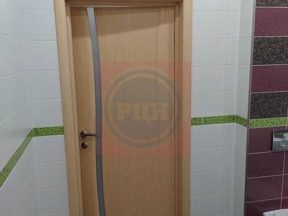 Продам 2-комнатную, 58 м2, Татьяны Снежиной ул, 45. Фото 14.