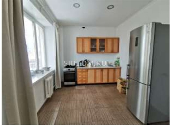 Продам 4-комнатную, 186 м², Октябрьская ул. Фото 6.