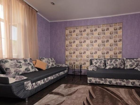 Сдам посуточно в аренду 1-комнатную квартиру, 45 м², Омск. Фото 1.