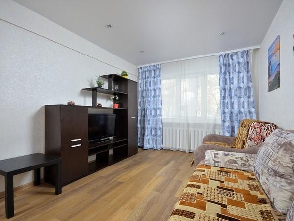 Сдам посуточно в аренду 2-комнатную квартиру, 48 м², Омск. Фото 2.