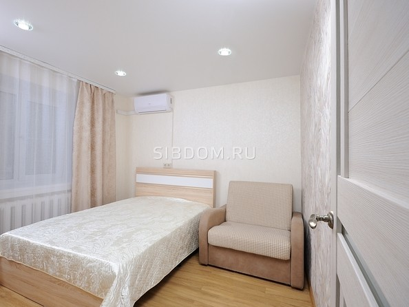 Сдам посуточно в аренду 2-комнатную квартиру, 52 м², Омск. Фото 8.