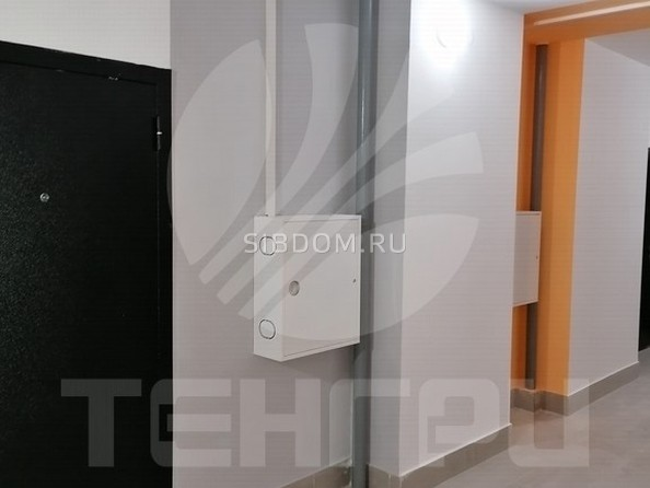 Продам 1-комнатную, 41 м2, 70 лет Октября ул, к 1. Фото 2.