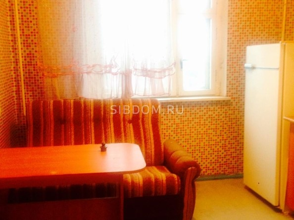 Продам 1-комнатную, 38 м², 20 лет РККА ул, 61. Фото 5.