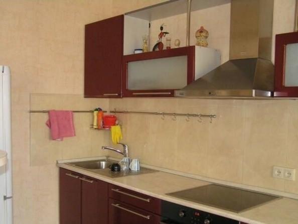 Сдам в аренду 2-комнатную квартиру, 70 м², Томск. Фото 2.